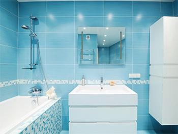 sprchový kout lze ochránit před usazováním špíny a vodního kamene