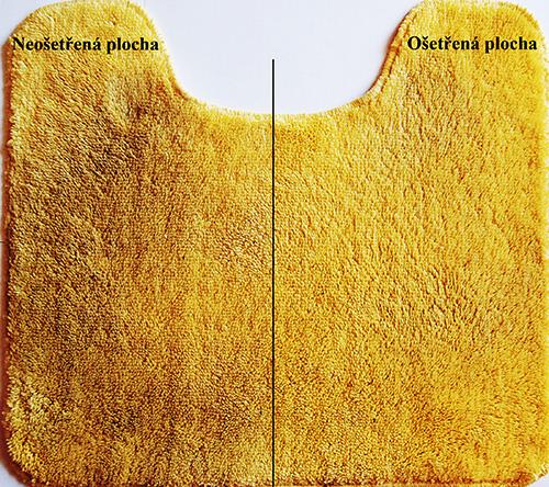 Viditeľný rozdiel medzi ošetrenou a neošetrenou stranou koberca